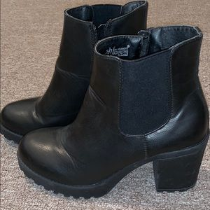 Black Ankle Heel Boots in Size 7